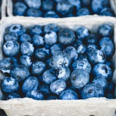 ⁣Eating blueberries every day improves heart health