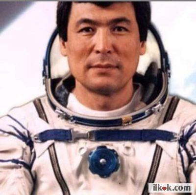 Uzaya giden ilk Türk 1991 Kazakistan      Halk kahramanı  Astronot Tohtar Aubakirov